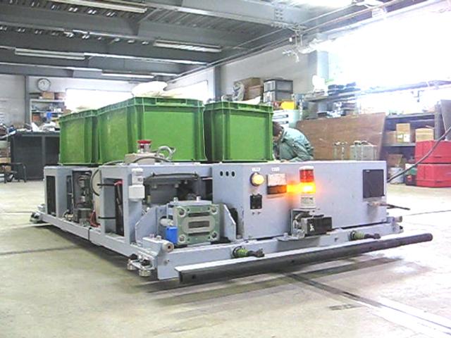 牽引型 AGV(車体搬送)