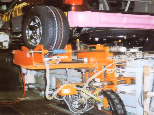 タイヤ組付助力装置
