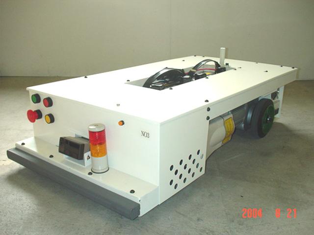 低床牽引型 AGV