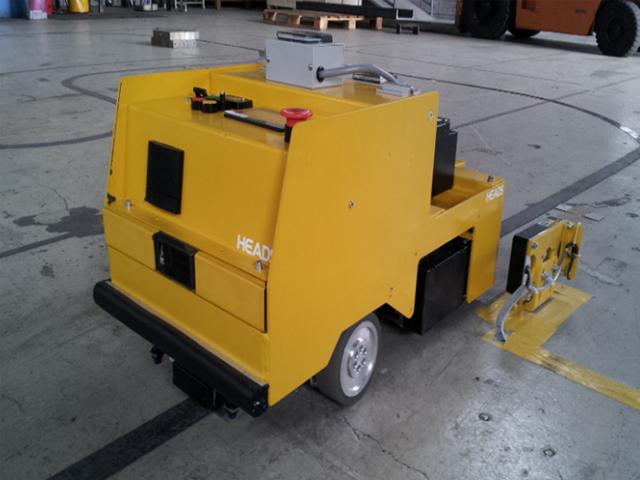 牽引型 AGV